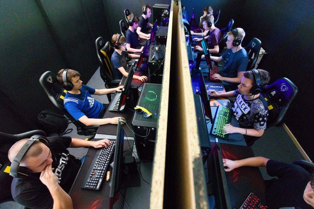 varsity-video-gamers